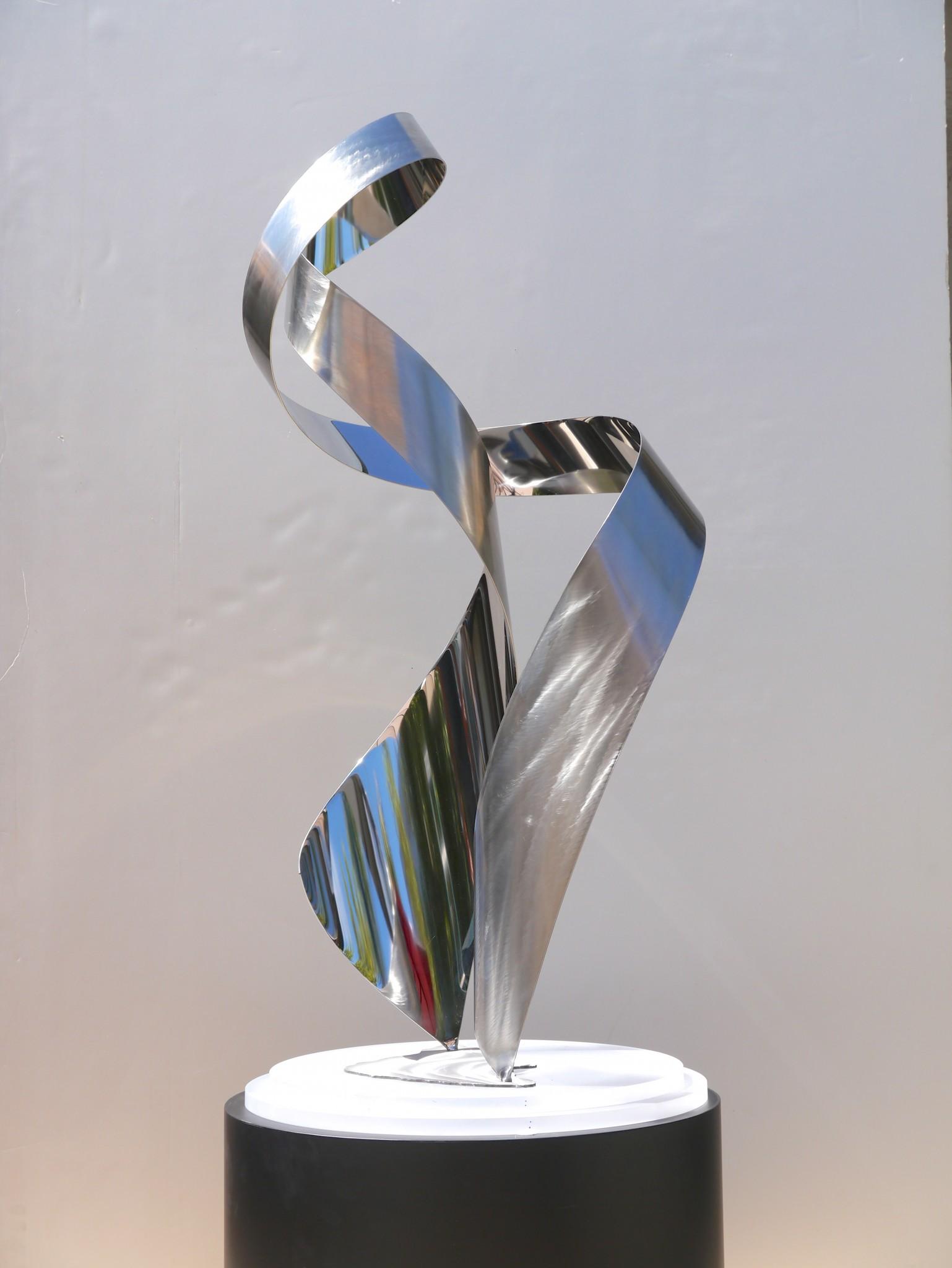 Ethos table top sculpture view 1