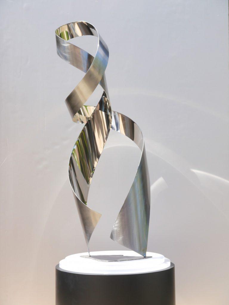 Ethos table top sculpture view 2